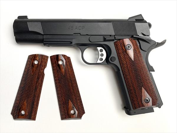ウッドグリップ M45CQP (ダイヤチェッカー/ブラウン)