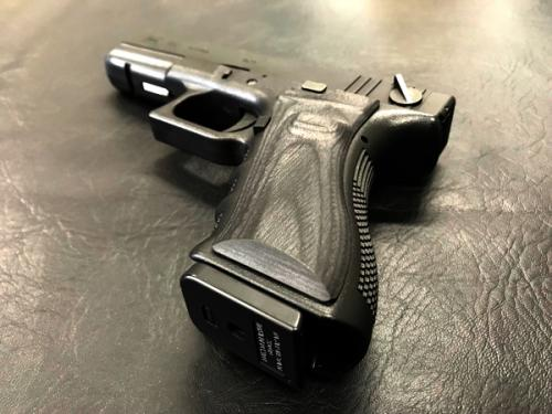 Wood grip Glock 17 / 18C <Smooth / Black>