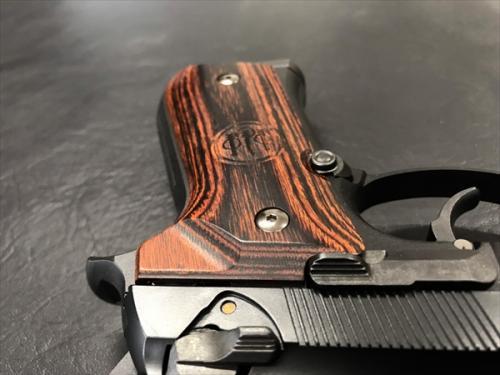 ウッドグリップ U.S.M9/M9A1 <スムースロゴ/ブラウン>