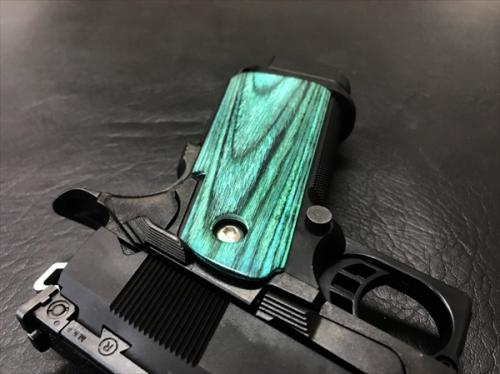 Wood grip Hi-CAPA 5.1 / 4.3 <Smooth / Green>
